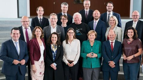 Ganz Deutschland lacht über ein Detail auf diesem Angie-Foto