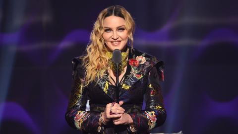 Madonna: Aus diesem Grund trägt sie jetzt einen Gesichtsschleier