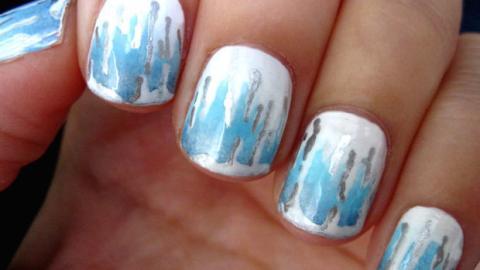 Fingernägel mit Eiszapfen-Design: der Nail-Art-Trend Beginn 2016