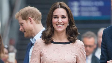 Warum Kate Middleton niemals farbigen Nagellack trägt