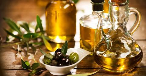 Olivenöl für die Haare: Haarkur für trockene und brüchige Haare