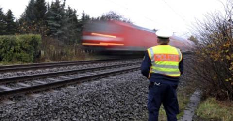Wieso nur ist so viel Schotter auf den Gleisen?