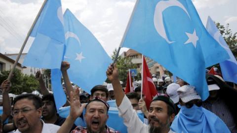 Skandal um Lager, wo friedliche Muslime gefangen und gefoltert werden