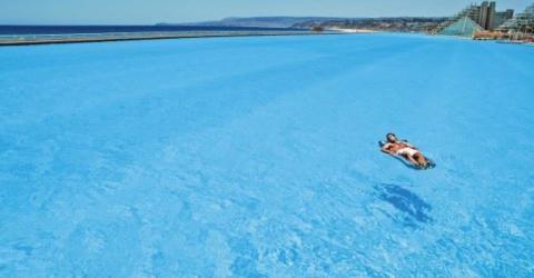Der größte Swimming-Pool der Welt in San Alfonso del Mar in Chile