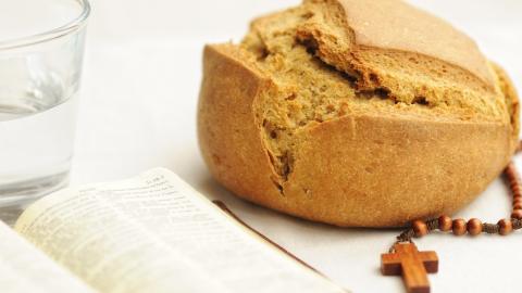 Fastenzeit: Ursprung und Bedeutung des Fastens