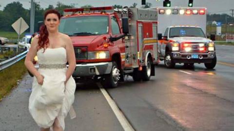 Braut verlässt ihre eigene Trauung, um verunglückte Familienmitglieder zu retten
