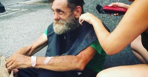 Sie schneidet dem Obdachlosen die Haare: Dann erkennt sie, was er unter seiner Kleidung verbirgt