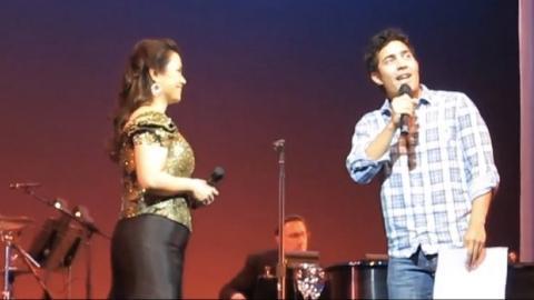 Diese Sängerin forderte einen Zuhörer auf, die Bühne zu betreten - und da setzte der Zauber ein.