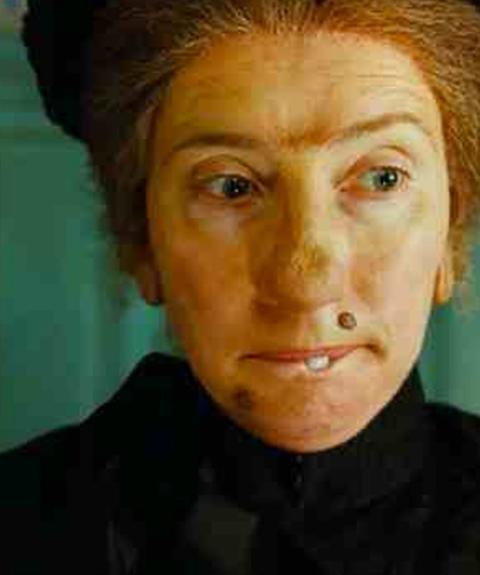Hilary Swank Unrasiert Auf Dem Roten Teppich: Diese Schauspielerinnen Zeigen Sich Im Film Hässlicher Als