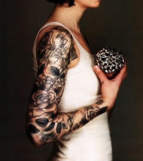 Frau tattoo arme Large HD