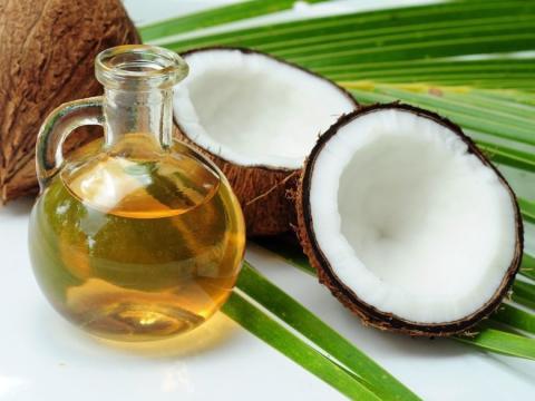 Was bringt Kokosöl für die Haare?