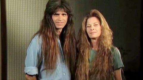 Sie sind nicht zum Friseur gegangen, 10 Jahre lang, ihre Verwandlung ist radikal