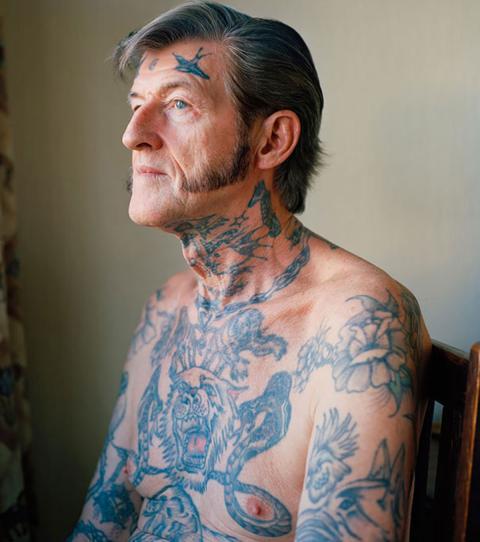 Tattoo Stirn