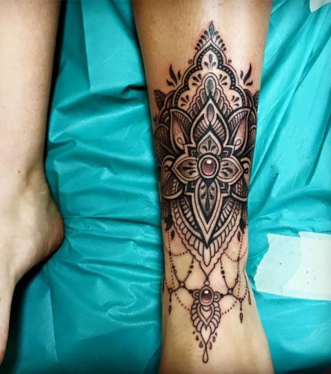 schöne tattoos frauen