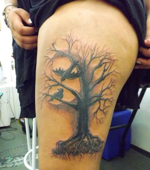Tattoo Am Oberschenkel Ideen Und Inspirationen Für Frauen