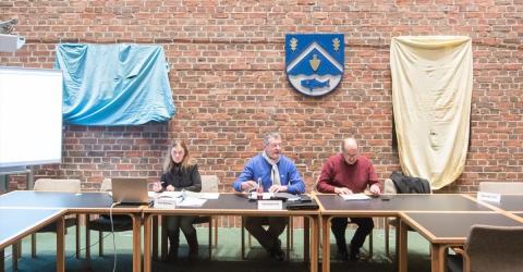 Im Rathaus in Heikendorf müssen Bilder verhüllt werden