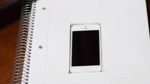 Spielen Sie in der Schule oder im Büro auf Ihrem Smartphone, ohne dabei erwischt zu werden, mit diesem einfachen Trick.