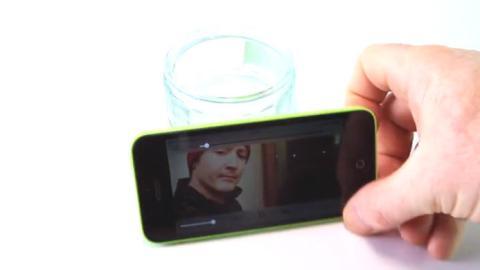 Wie stellt man eine Halterung für sein Smartphone her?