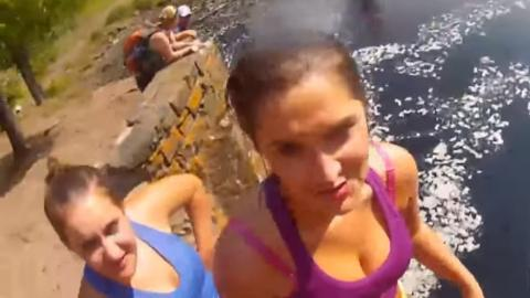 Urlaubskamera versinkt im Wasser. Ein Jahr später findet sie ihren Weg zurück zu den Besitzern