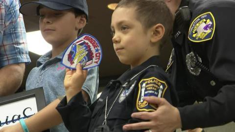Das kleine Mädchen (6) ist krebskrank: Die Polizei erfüllt ihr ihren größten Wunsch!