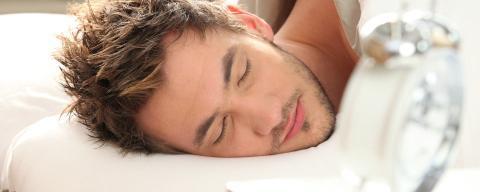 Warum man am Wochenende nicht lange schlafen sollte.