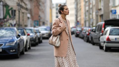 1 Kleid, 3 Looks: So tragt ihr lange Kleider im Sommer besten