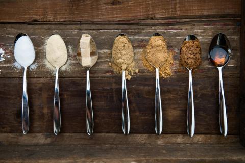 Mit diesen gesunden Lebensmittel kannst du weißen Zucker ersetzen