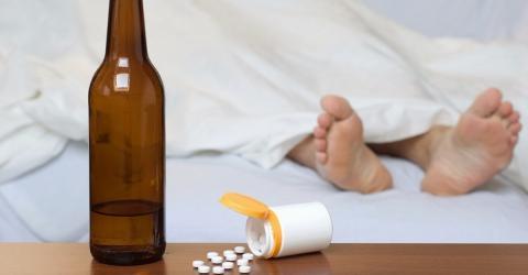 Bier oder Paracetamol? Was ist besser gegen Schmerzen?