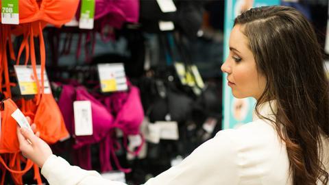 Augen auf beim Bikini-Kauf: Dermatologin warnt vor Ekelfund in Bademode, der unsere Gesundheit aufs Spiel setzt