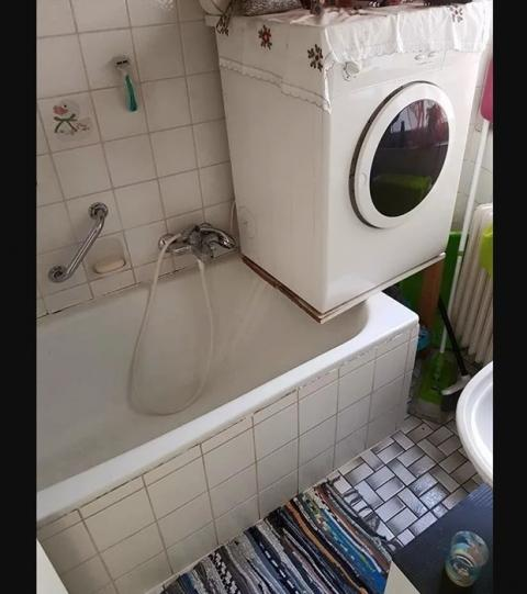 die lustigsten badezimmer fails wenn der klempner einen knick in der optik hat. Black Bedroom Furniture Sets. Home Design Ideas