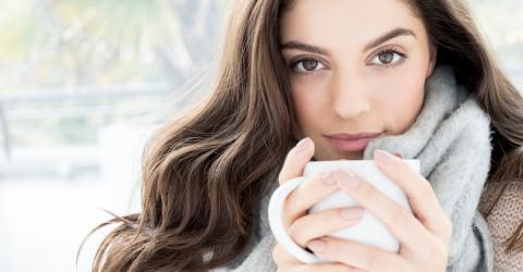 Low Beauty: Eine bestimmte Teesorte wirkt Wunder gegen Falten