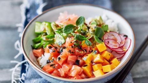 Bowl Food: Warum es dir besser schmeckt, wenn du aus einer Schale isst