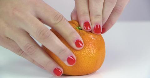 Schluss mit der ewigen Sauerei! Orangen schälen leicht gemacht