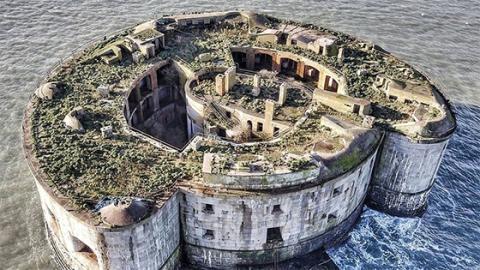 Außergewöhnliche Angebote: Eine Felseninsel in Wales zum Spottpreis