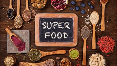 Superfood: Mit diesen Lebensmitteln isst du dich gesund!