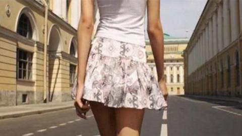 Upskirting: Der Voyeurismus-Trend, der in Deutschland nach wie vor nicht strafbar ist