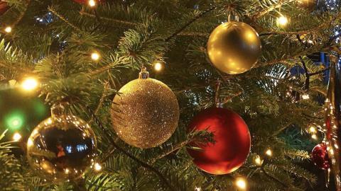 Dein Weihnachtsbaum verrät, was für ein Sternzeichen du bist