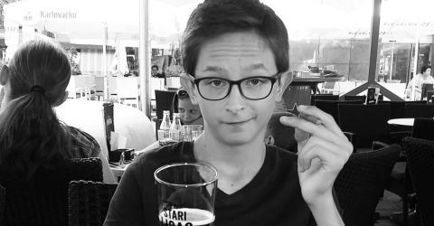 Seltene Krankheit: Alle denken ein 13-Jähriger trinkt Bier, doch die Wahrheit ist verblüffend