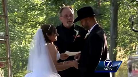 Diese Braut hat eine unglaubliche Überraschung für den Bräutigam... Aber seht selbst!