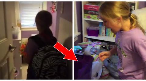 Mädchen entdeckt kleines Kätzchen in ihrem Zimmer