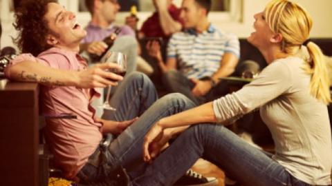 So beeinflusst der Alkoholkonsum die Dauer einer Beziehung