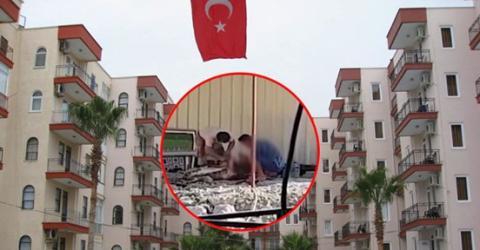 Im Türkei-Urlaub: Hotelgäste gucken aus dem Fenster und beobachten, wie zwei Männer das Beil heben!