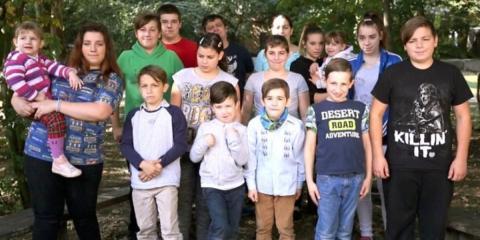 Armes Deutschland: Hartz IV-Eltern mit 14 Kindern machen Zuschauer fassungslos