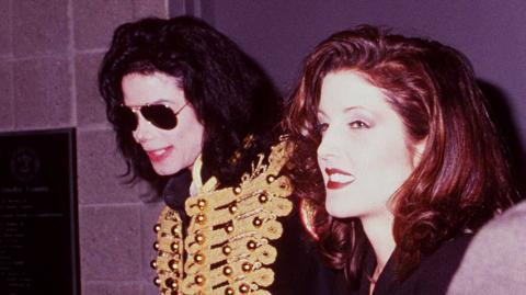 Unglaubliche Enthüllungen: So spionierte Michael Jackson seine Frau Lisa Marie aus