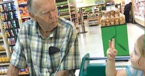 Sie nennt ihn einen alten Mann - und er beginnt zu weinen