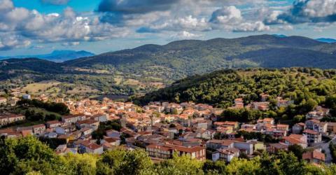 Dieses italienische Dorf verkauft Häuser für nur einen Euro!