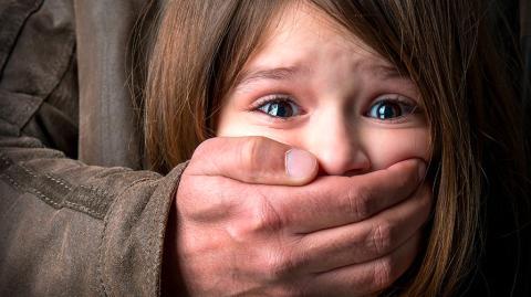 Ein zehnjähriges Mädchen entkommt mit knapper Not einer Entführung