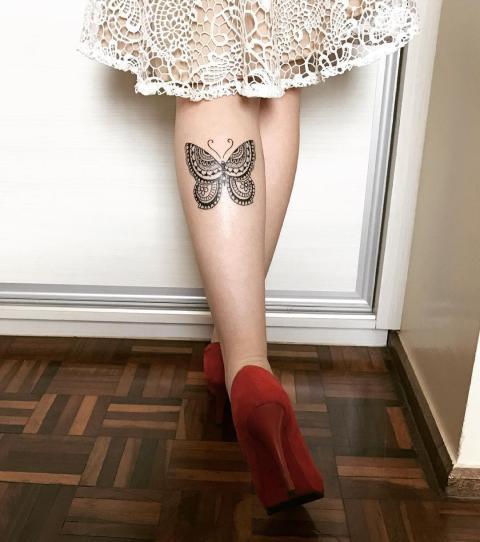waden tattoo 20 sch ne tattoo ideen f r frauen. Black Bedroom Furniture Sets. Home Design Ideas