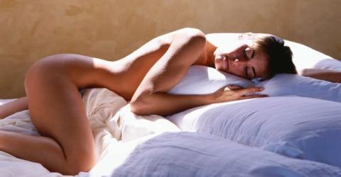 Wer in Unterwäsche schläft, macht etwas falsch!