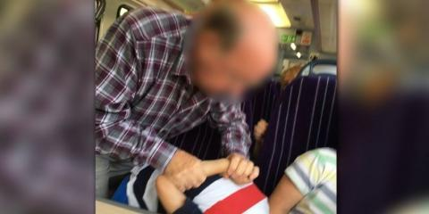 Ein Kind legt seine Füße im Zug auf den Sitz. Die Reaktion dieses Rentners schockiert das Netz!